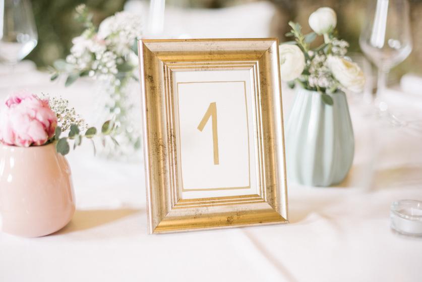 Poročna dekoracija pastelne barve - Neža Reisner | Poročna fotografija