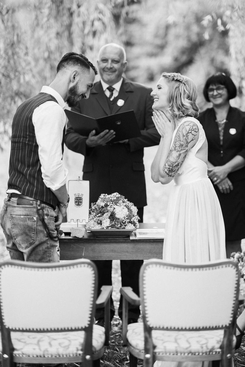 Poroka na prostem - Neža Reisner | Poročni fotograf