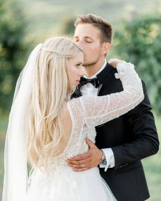 Saturday was a DREAM 💛. Wedding planner: @_wedding_hills_  Location: @vila.vipolze . . . . . #poroka #porokagoriskabrda #goriskabrda #vilavipolze #bride #fineartphotography #fineart #lookslikefilm #vineyard #weddinginslovenia #weddingportrait #stylemepretty