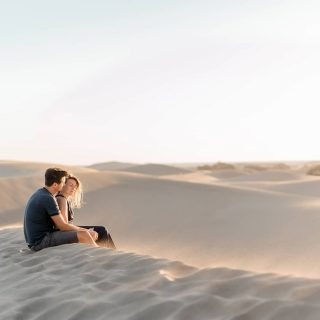 Somewhere far away in a place just for me and you. . . . . . #desertdunes #desert #desertphotoshoot #desertphotography #grancanaria #canaryisland #sanddunes #couplephotoshoot #sunset #seadesert