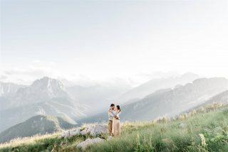 Nežno, romantično, večno ♡. . . . . . #mangartskosedlo #bovec #ifeelslovenia #beautifulslovenia #porocnafotografija #weddingphotographerslovenia #wowview #amazingview #mountains #viewsfordays #engagement #engagementphotography